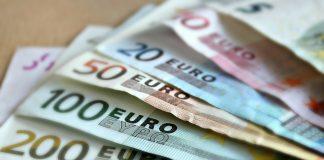 Plik pieniędzy euro