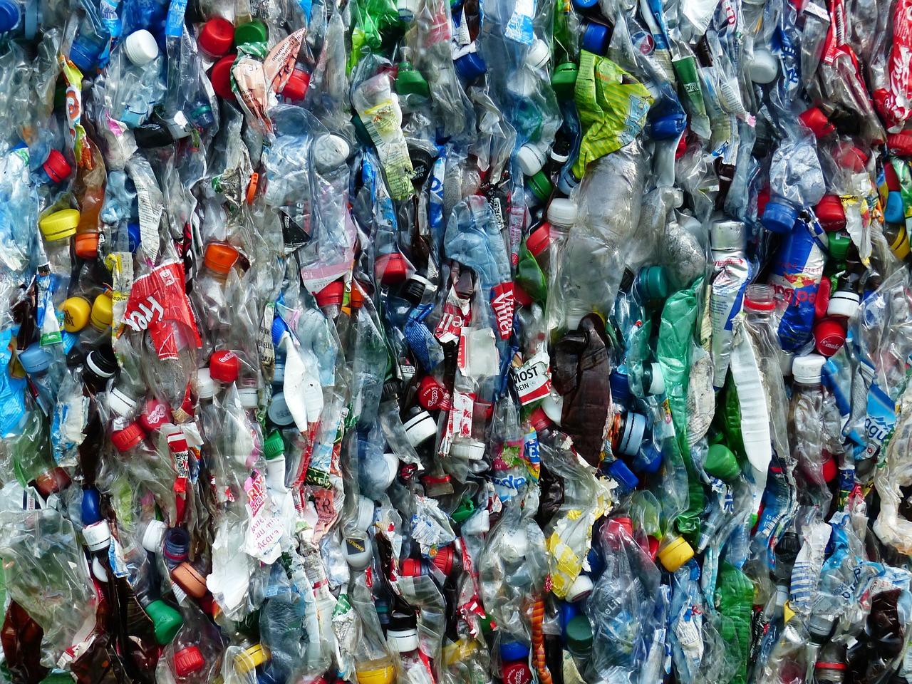 Odpady - butelki plastikowe. Jakie mają kody odpadów do BDO?