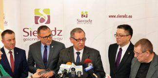 Jan Szyszko i Paweł Osiewała podczas konferencji Ministerstwa Środowiska w Sieradzu