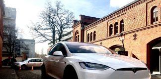 Tesla Model X w Poznaniu City Park