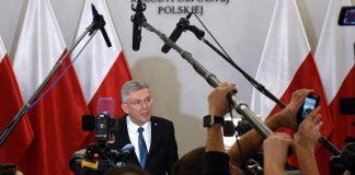Marszałek Senatu Stanisław Karczewski podczas briefingu prasowego ws. ustawy metropolitalnej dla Warszawy