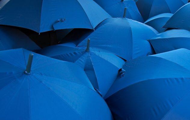 Niebieskie parasole