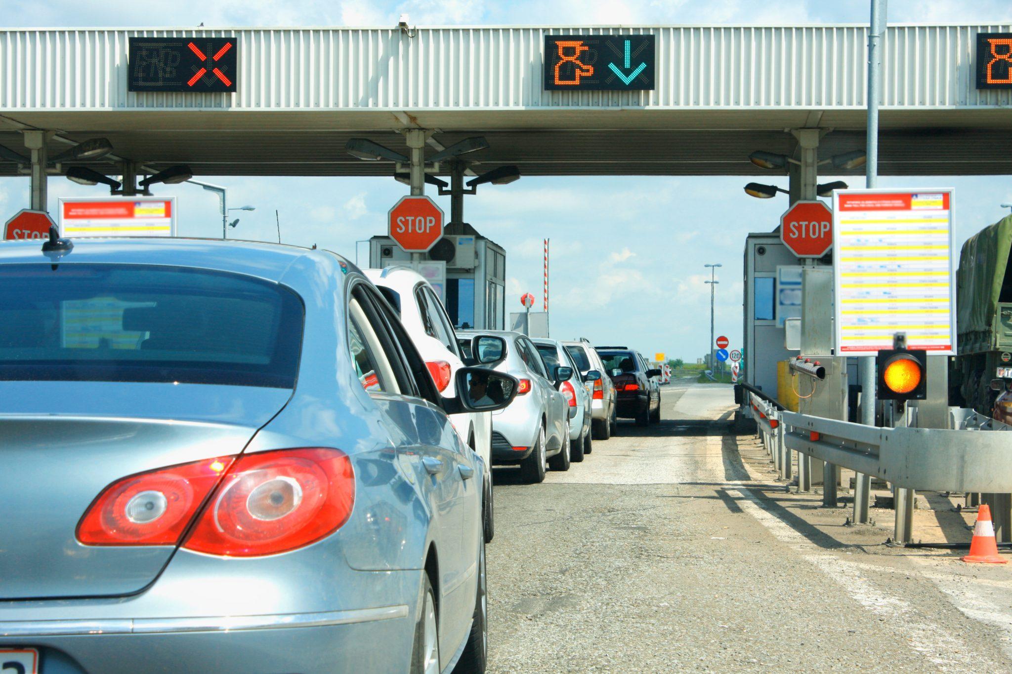Bramki z opłatami na autostradzie
