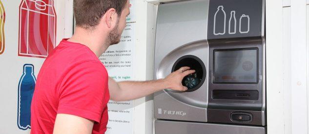 Automat na zużyte puszki i butelki