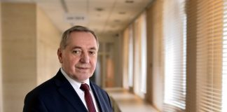 Minister środowiska Henryk Kowalczyk