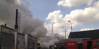 Straż pożarna gasząca pożar w miejscowości Paterek