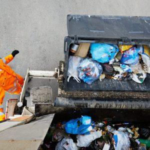 odbior odpadow smieciarka